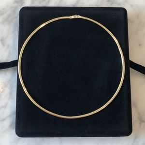 Jewelry - 14k gold stamped reversible omega choker necklace